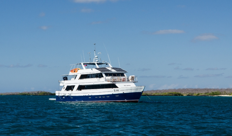 choosing a galapagos cruise